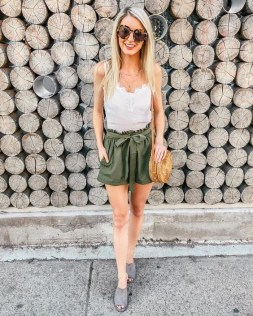 50 Ways to Wear White Sleeveless Top Ideas 43