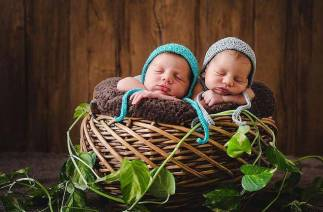 100 Cute Twins New Born Photography You Can Copy 103