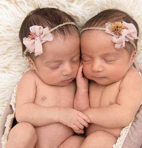 100 Cute Twins New Born Photography You Can Copy 16 1