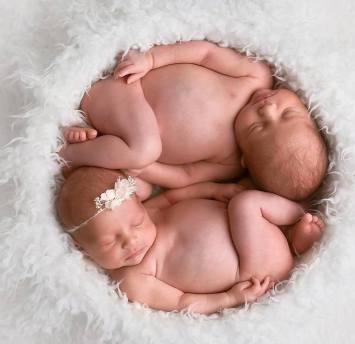 100 Cute Twins New Born Photography You Can Copy 18 1
