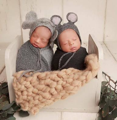100 Cute Twins New Born Photography You Can Copy 2