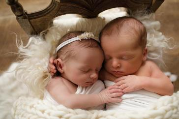 100 Cute Twins New Born Photography You Can Copy 6 1