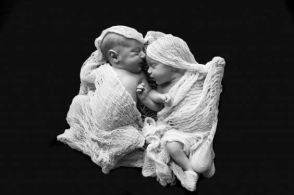 100 Cute Twins New Born Photography You Can Copy 8
