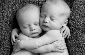 100 Cute Twins New Born Photography You Can Copy 86