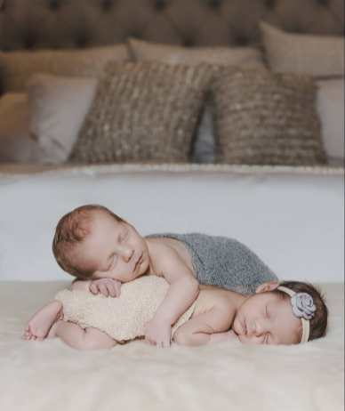 100 Cute Twins New Born Photography You Can Copy 87