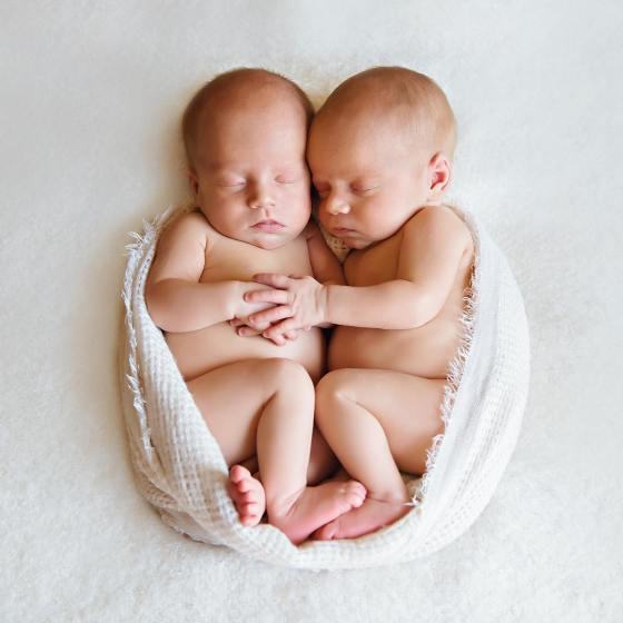 100 Cute Twins New Born Photography You Can Copy 94