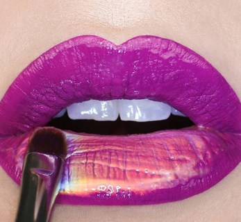 30 Holographic Lips Ideas 31
