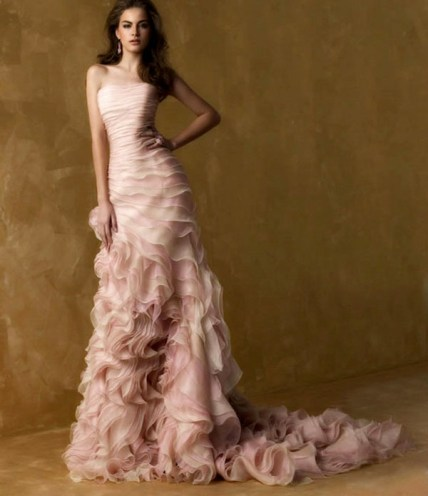 30 Soft Color Look Bridal Dresses Ideas 23
