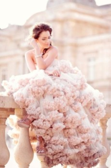 30 Soft Color Look Bridal Dresses Ideas 33