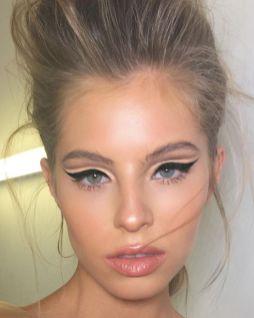 40 Cat Eye Makeup Ideas 22