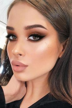 40 Cat Eye Makeup Ideas 24