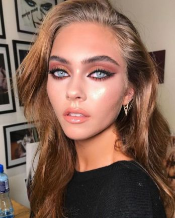 40 Cat Eye Makeup Ideas 7