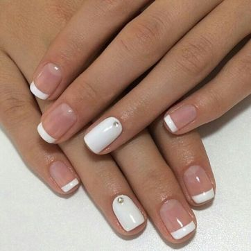 40 Elegant Look Bridal Nail Art Ideas 26