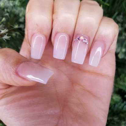 40 Elegant Look Bridal Nail Art Ideas 30