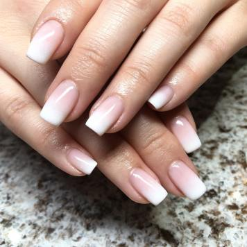 40 Elegant Look Bridal Nail Art Ideas 36