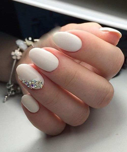 40 Elegant Look Bridal Nail Art Ideas 4