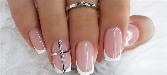 40 Elegant Look Bridal Nail Art Ideas 5