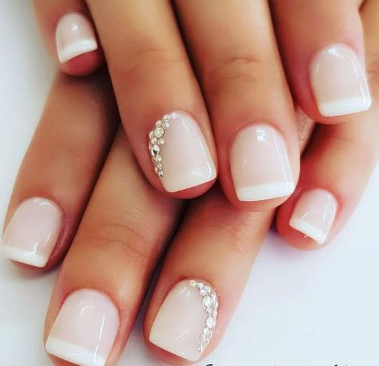 40 Elegant Look Bridal Nail Art Ideas 8