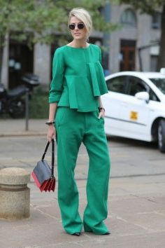 40 Fashionable Green Outfits Ideas 10