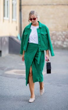 40 Fashionable Green Outfits Ideas 14