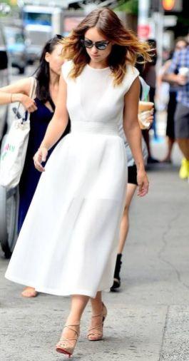 40 How to Wear Tea Lengh Dresses Street Style Ideas 24