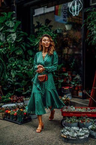 40 How to Wear Tea Lengh Dresses Street Style Ideas 3