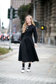 40 How to Wear Tea Lengh Dresses Street Style Ideas 35