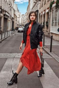 40 How to Wear Tea Lengh Dresses Street Style Ideas 44