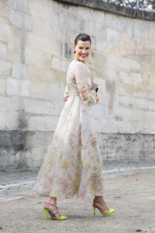 40 How to Wear Tea Lengh Dresses Street Style Ideas 5
