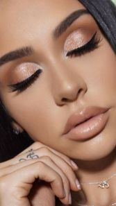 40 Night Party Makeup Look You Should Try 19