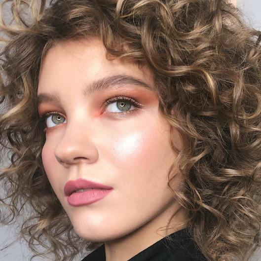 40 Night Party Makeup Look You Should Try 35