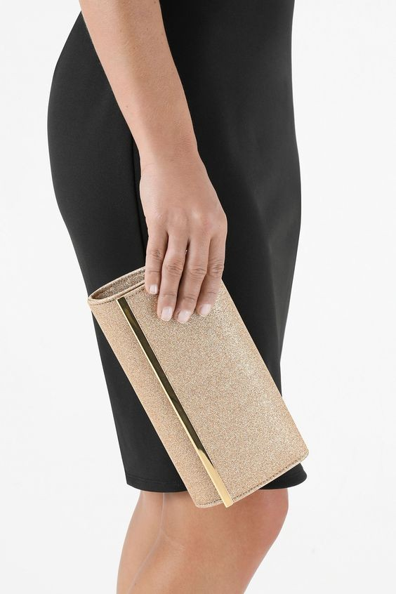 50 Chic Clutch Party Ideas 16