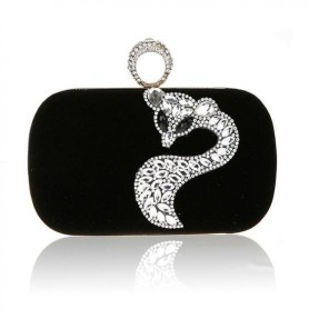 50 Chic Clutch Party Ideas 25