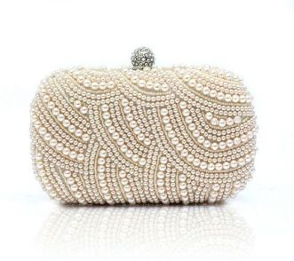 50 Chic Clutch Party Ideas 28