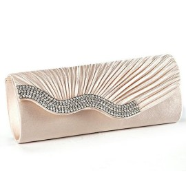 50 Chic Clutch Party Ideas 3