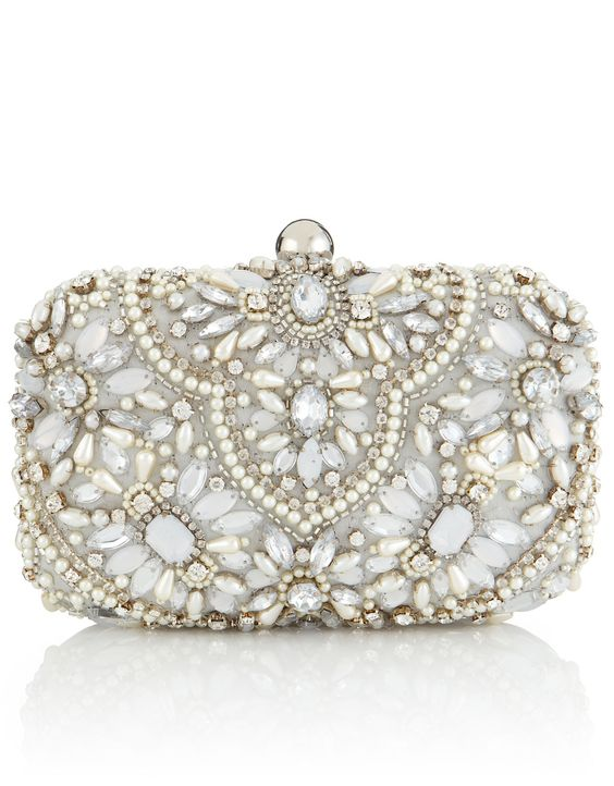 50 Chic Clutch Party Ideas 4