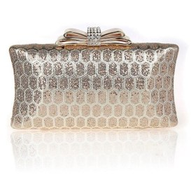 50 Chic Clutch Party Ideas 41