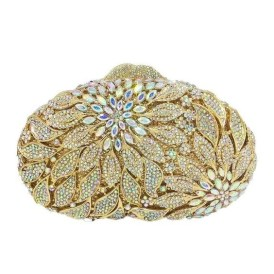 50 Chic Clutch Party Ideas 48