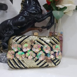 50 Chic Clutch Party Ideas 52