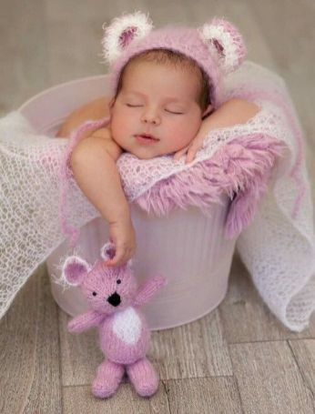 50 Cute Newborn Photos for Baby Girl Ideas 18