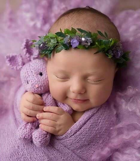 50 Cute Newborn Photos for Baby Girl Ideas 20