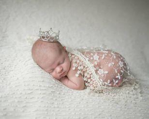 50 Cute Newborn Photos for Baby Girl Ideas 22