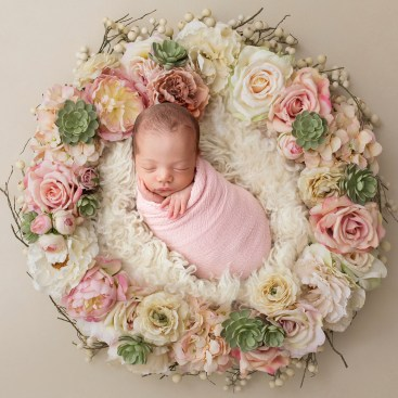 50 Cute Newborn Photos for Baby Girl Ideas 33