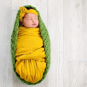 50 Cute Newborn Photos for Baby Girl Ideas 34