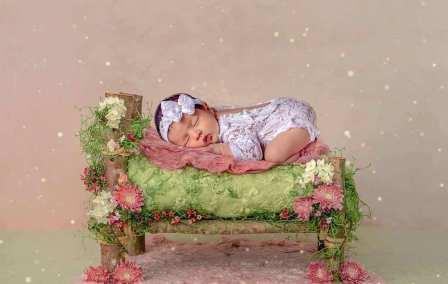 50 Cute Newborn Photos for Baby Girl Ideas 36