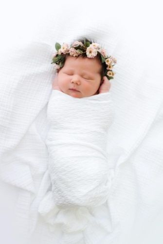50 Cute Newborn Photos for Baby Girl Ideas 5