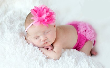 50 Cute Newborn Photos for Baby Girl Ideas 53