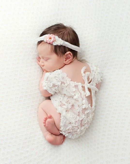50 Cute Newborn Photos for Baby Girl Ideas 6