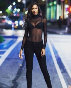 50 How to Wear Black Mesh Tops in Style Ideas 10