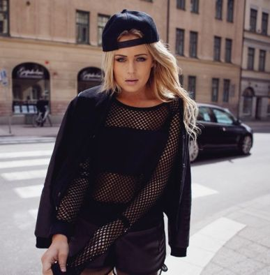 50 How to Wear Black Mesh Tops in Style Ideas 16